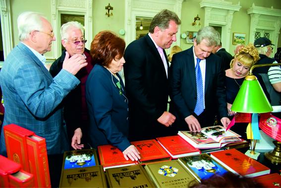 Одесситы стали победителями сразу в двух номинациях на XVI Всеукраинской выставке-форуме «Украинская книга на Одесщине»! (фото) - фото 3